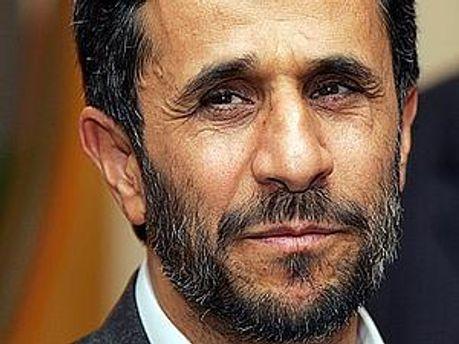 Президент Ірану Махмуд Ахмадінежад закликає Захід прийняти його, як ядерну країну