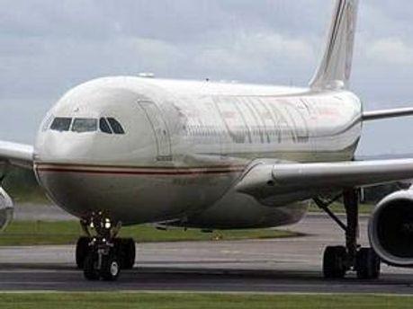 Через погрози пасажира довелось посадити літак