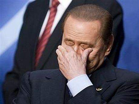 Справу Берлусконі продовжують вивчати