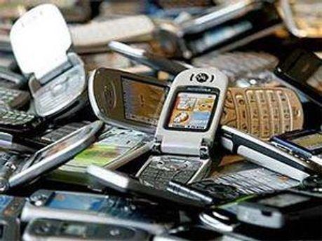 Мобільні купують все частіше