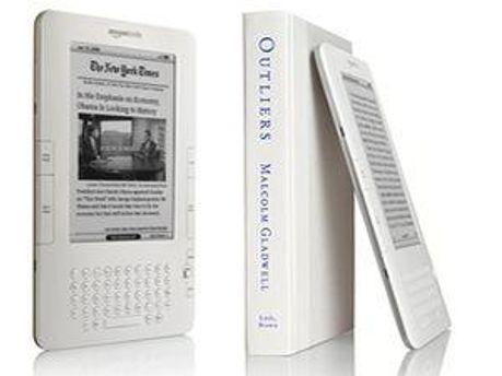 Книги читають все більше електронною версією