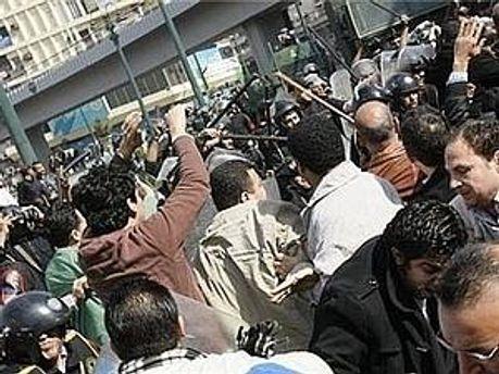 У Єгипті тривають масові заворушення