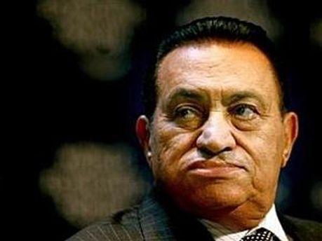 Мубарак закликав військових навести лад