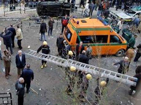У Єгипті тривають масові безлади, Президент закликав армію навести лад