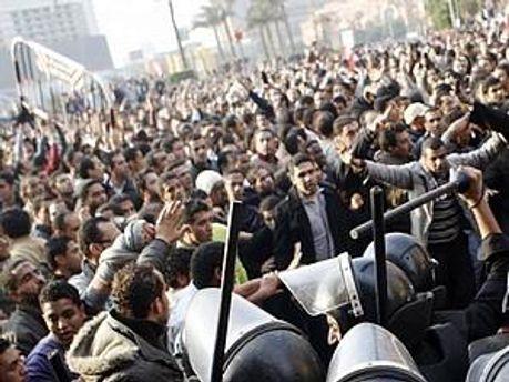 У Єгипті тривають масові безлади, кількість жертв збільшується