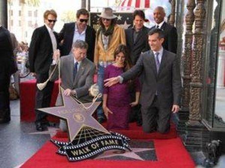 Підтримати знаменитість приїхав її чоловік Хав'єр Бардем і колега Джонні Депп