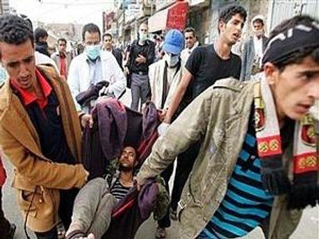 12 человек погибли сегодня во время разгона демонстрации