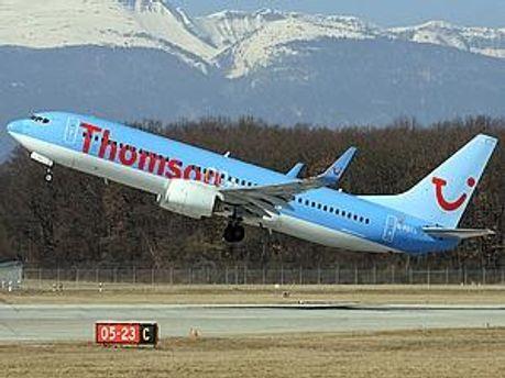 Неизвестный сообщил о взрывчатке на борту самолета