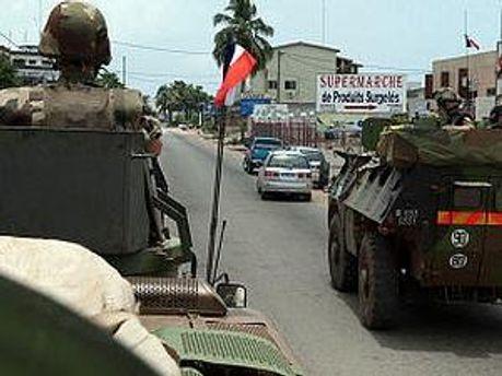 Французские танки в Кот-д'Ивуаре