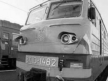 Монтер колиии погиб под колесами поезда