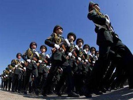 У 2008-2009 роках військові паради обійшлись приблизно у 70 мільйонів гривень