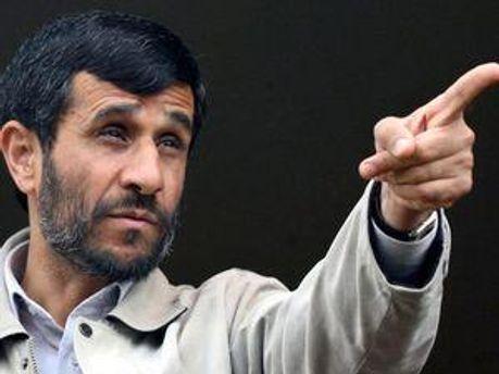 Президент Ирана Махмуд Ахмадинеджад указал на дверь кувейтским дипломатам