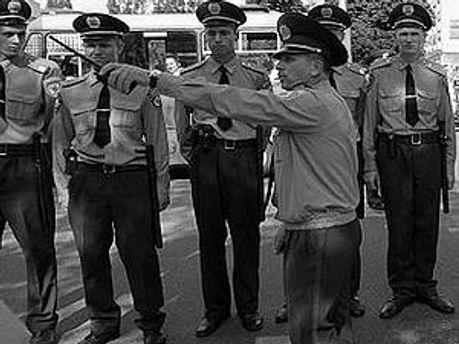 Милиция усиленно будет нести службу