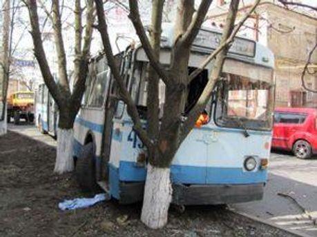 Предварительная причина аварии - техническая неисправность троллейбуса