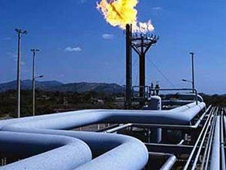 Газові угоди загрожували економіці України, — Пшонка