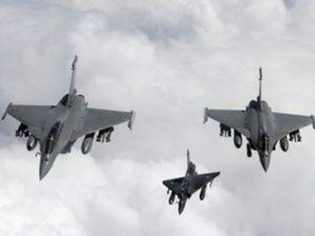 НАТО й надалі продовжує бомбардування