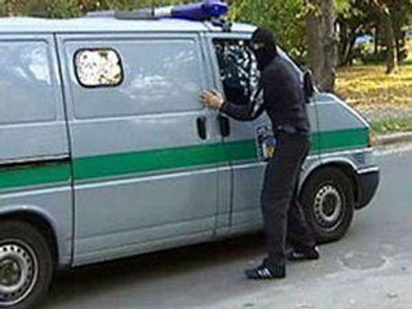 Неизвестные украли около 5 миллионов гривен