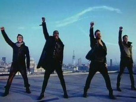 Кадр із синглу групи Blue