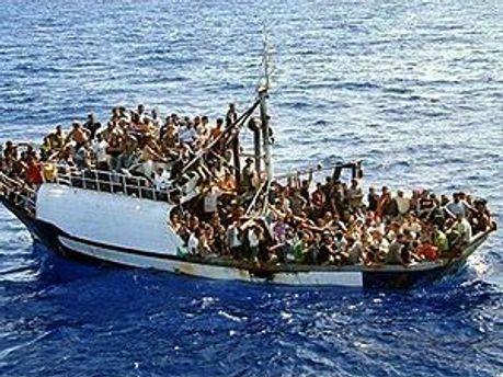 На Лампедузу продолжают прибывать беженцы