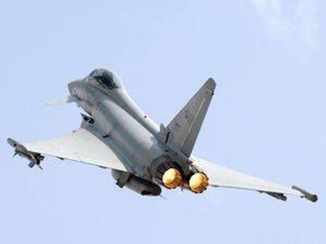 Авіація НАТО завдала ударів по передмістю Тріполі