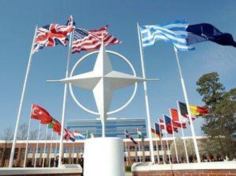 НАТО отмечает украинские реформы