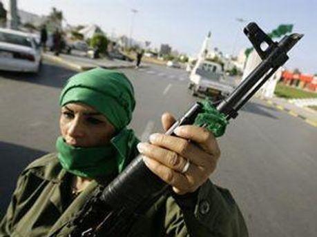 У Лівії озброюють населення