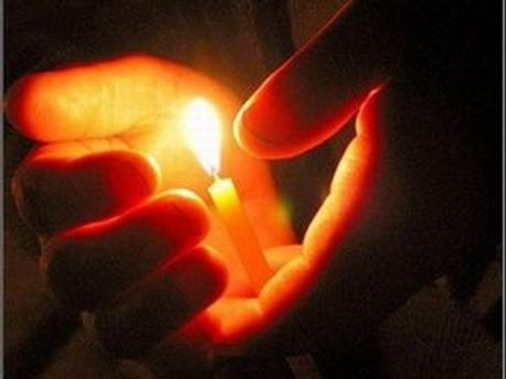 Благодатный огонь прибудет в Киев