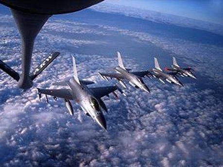 Самолеты НАТО нанесли новые удары в Триполи