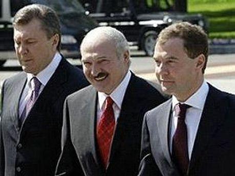 Віктор Янукович, Олександр Лукашенко і Дмитро Медведєв