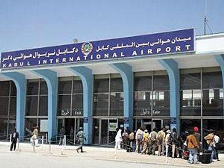 Афганский пилот открыл стрельбу в аэропорту Кабула