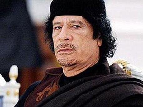 Каддафі не збирається відмовлятись від влади