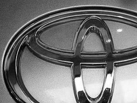 Прибыли Toyota упадут на 30%
