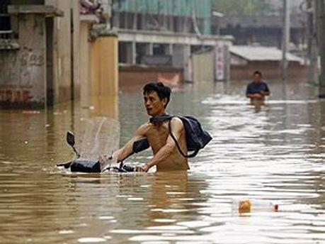 Китай срочно эвакуирует людей