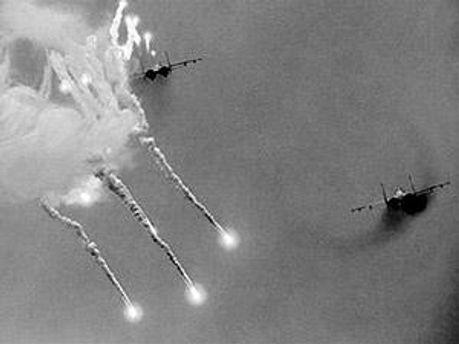 Сили НАТО бомбардували столицю Лівії