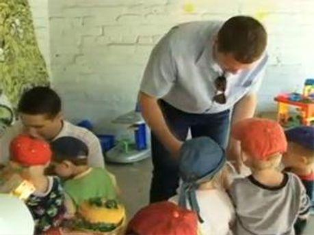 Компания TeleTRADE дарит тепло детям!