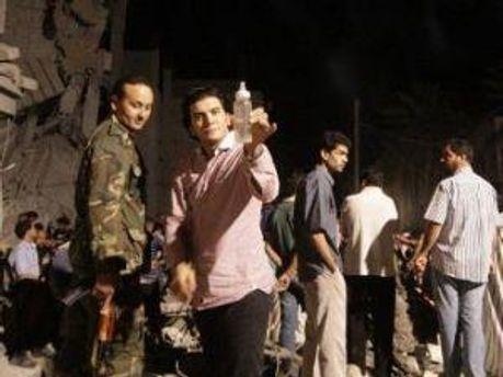 Журналисты на месте развалившегося дома