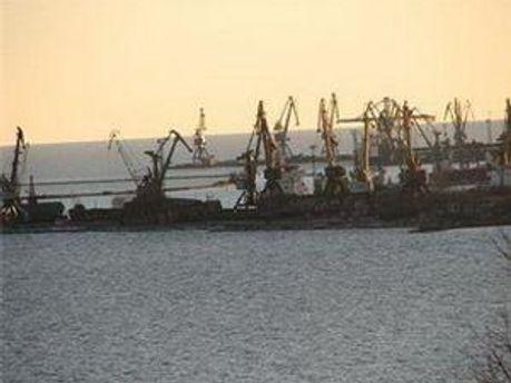 Холерный вибрион мог завезти иностранный корабль