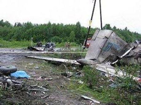Разбитый самолет Ту-134