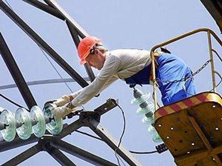 Співробітники МНС продовжують відновлювальні роботи