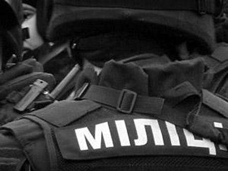 Милиционеры будут дежурить возле суда в течение суток