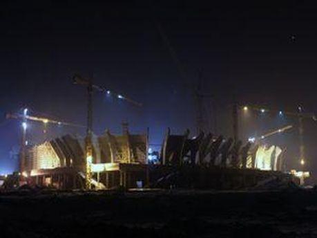 Фото львовского стадиона ночью