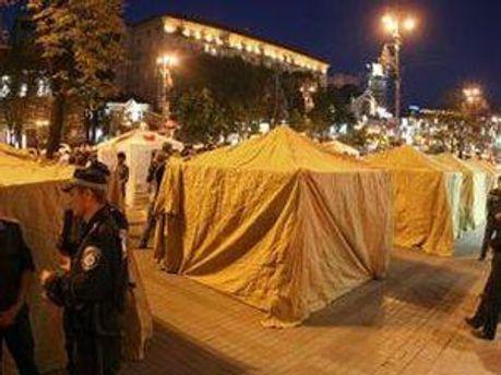 Палатки в поддержку Тимошенко