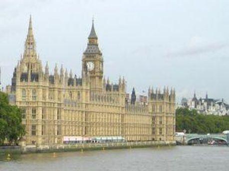 Британський парламент вийде з канікул