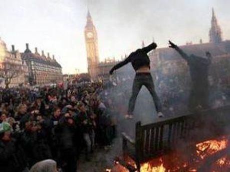 Первая смерть в Британии из-за беспорядков