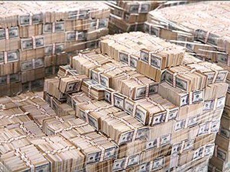 Доллары стоит пока подержать, — Акимова