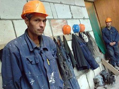 Українських заробітчан намагатимуться повернути