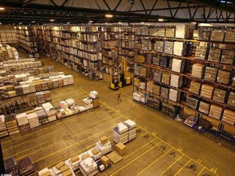 Американські склади заповнюють товарами