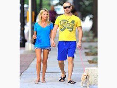 Тара с мужем