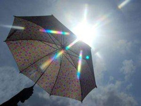 На неділю синоптики обіцяють подекуди короткочасні дощі