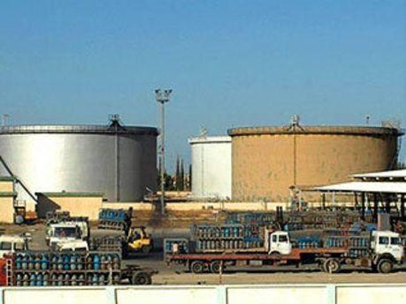Нафтосховища в КНР будуватимуть швидше